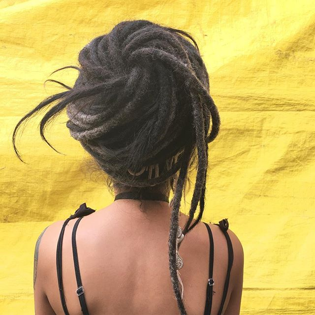 🌻Dreads ✨ #lagunilla #hair #hairstyle #dreads #dreadlocks #dreadhead #rastas #rastastyle #coolhair #美容室#美容院 #longhair #black  #streetstyle #cabello #pelo #blackhairstyles #yellow #bigbun #bun #messydreads #HERHAIRTRAVEL
