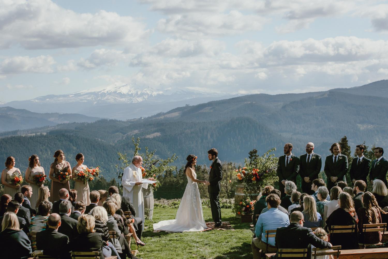 Portland_Wedding_Planner_Gorge_Crest_06.jpg