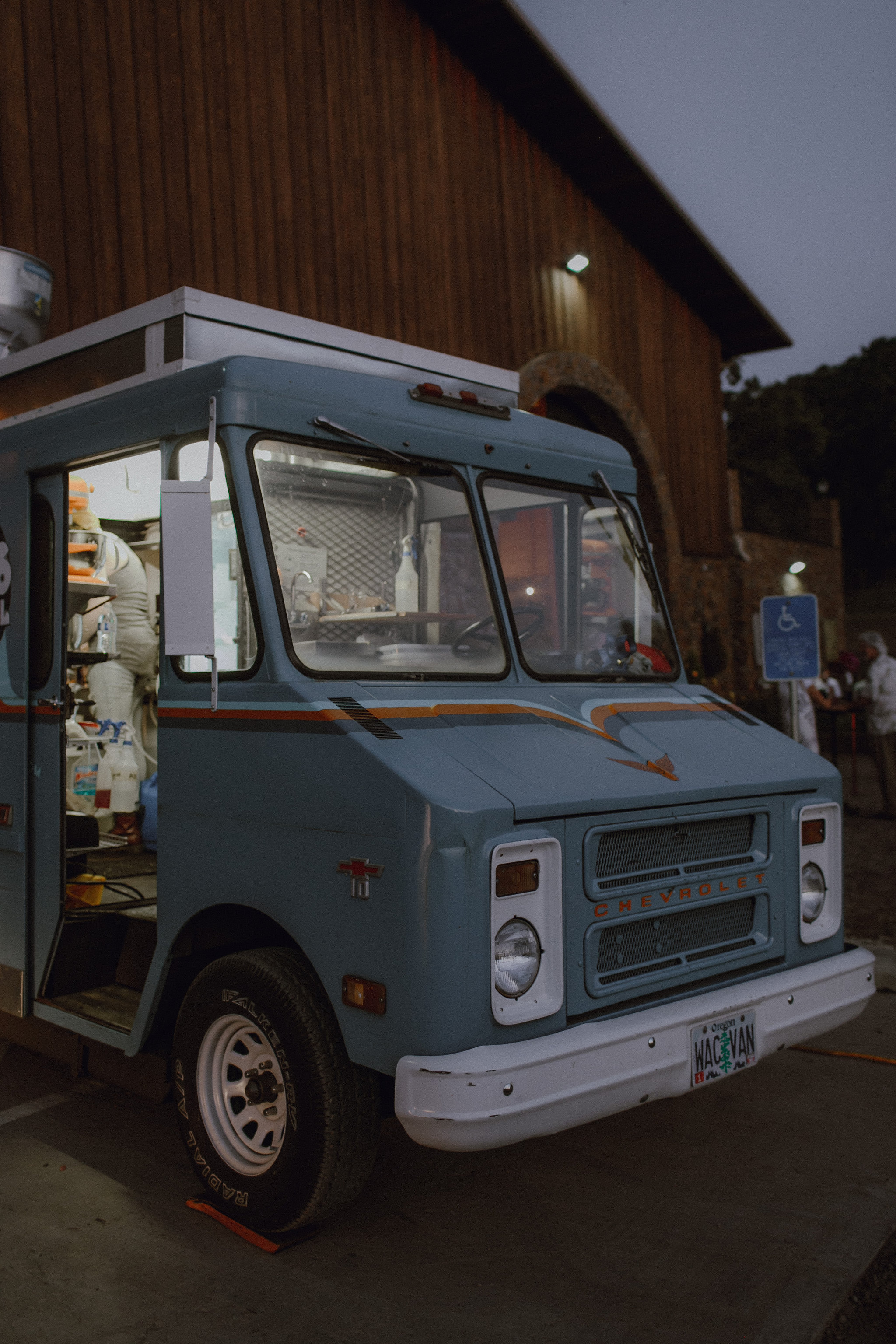 food truck wedding-05