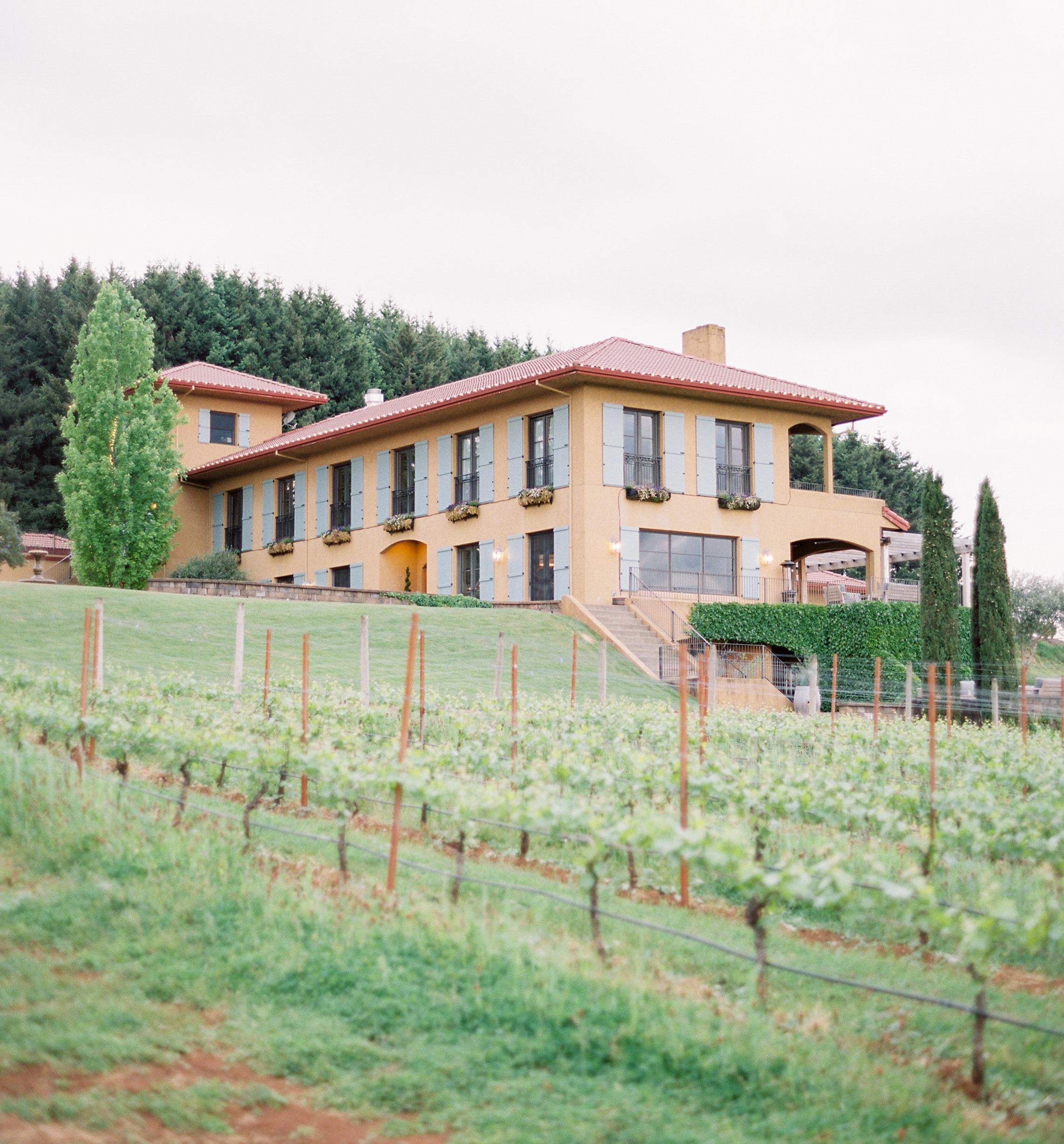 Oregon_Wine_Country_Wedding_Black_Walnut_Inn_23