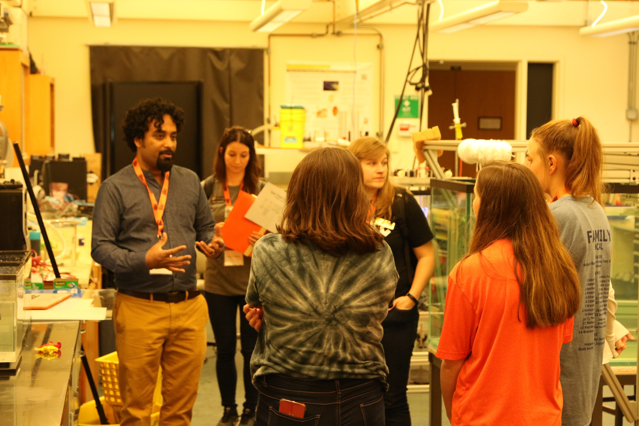 Dr. Santhanakrishnan discussing bio-inspired design with students from Deer Creek High School