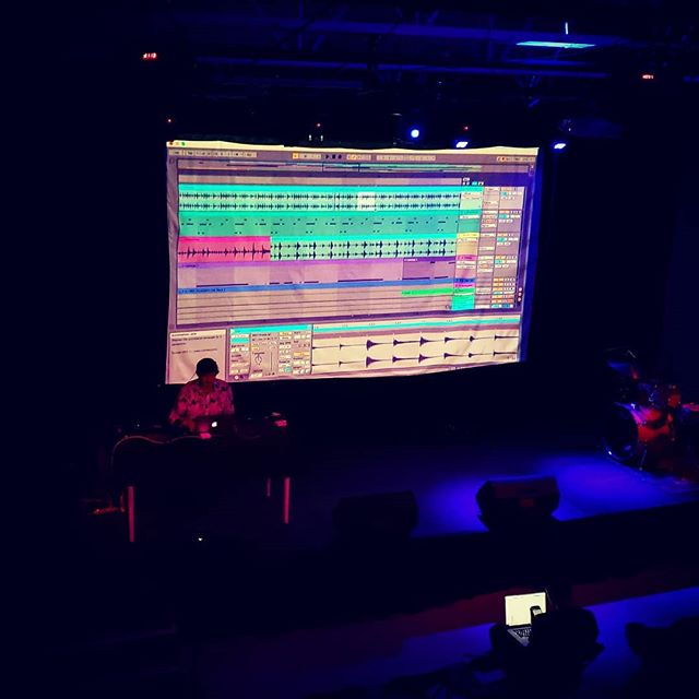 @ableton certified trainer @kramer.darren sharing some knowledge at the Boulder Ableton user group meeting.  #ableton #abletoncertifiedtrainer #musiceducation #abletonusergroup #boulder #kmglife #musicproduction #daw #shareknowledge