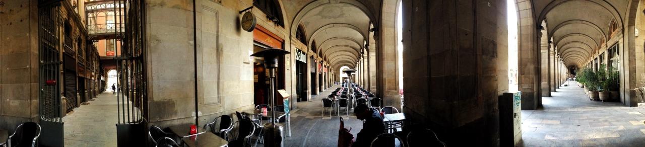19-03-2015 12:56:03  Plaça Reial, Barcelona, Catalonia