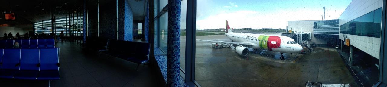 04-11-2014 13:47:22   Aeroporto da Portela, Lisbon, Portugal