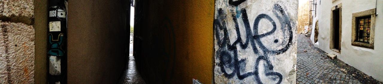 03-11-2014 16:19:46   Alfama, Lisbon, Portugal