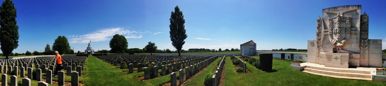 08-06-2014 12:39:55  Portuguese cemetery, Richebourg, France