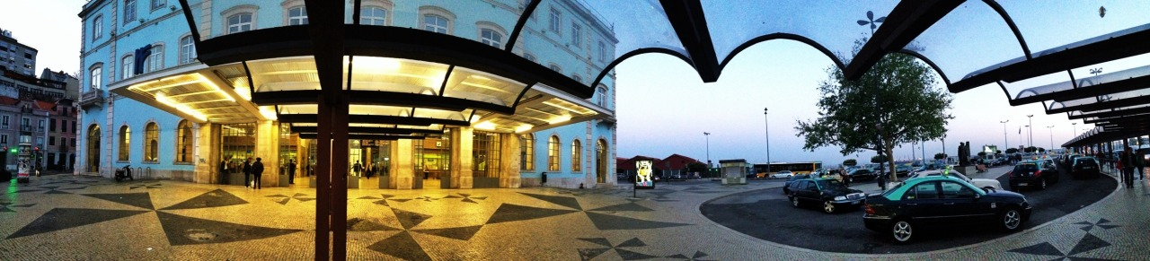 16-04-2014 20:24:19  Santa Apolonia, Lisbon, Portugal
