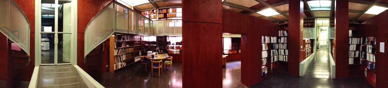 27-03-2014 12:05:27  Biblioteca DGIDC, Lisbon, Portugal