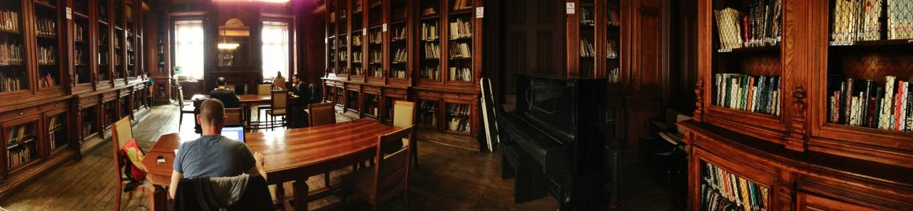 21-03-2014 12:03:54  Biblioteca Camões, Lisbon, Portugal