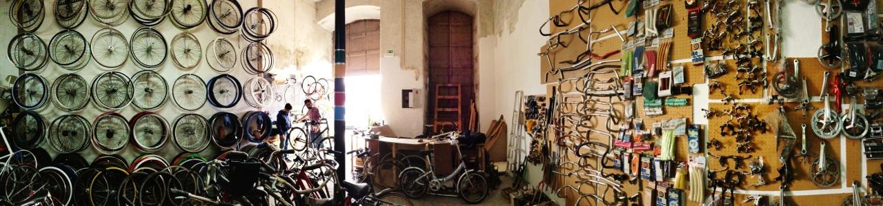 25-02-2014 12:05:42  Santos-o-Velho, Lisbon, Portugal