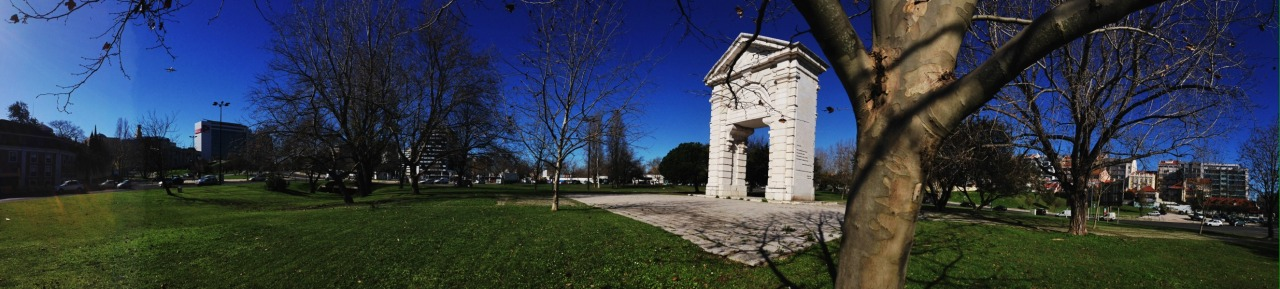23-01-2014 12:05:35  Praça de Espanha, Lisbon, Portugal