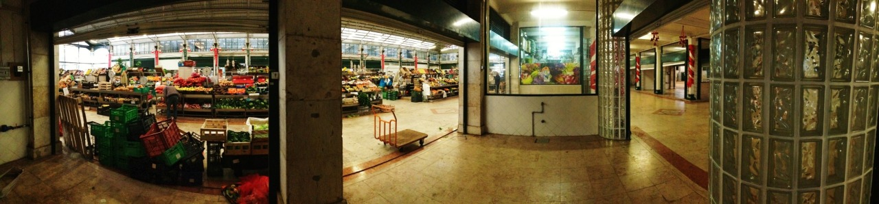 27-12-2013 12:25:15  Mercado da Ribeira, Lisbon, Portugal