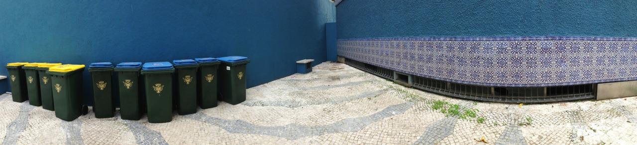 06-11-2013 12:29:07  Rua dos Açores, Lisbon, Portugal