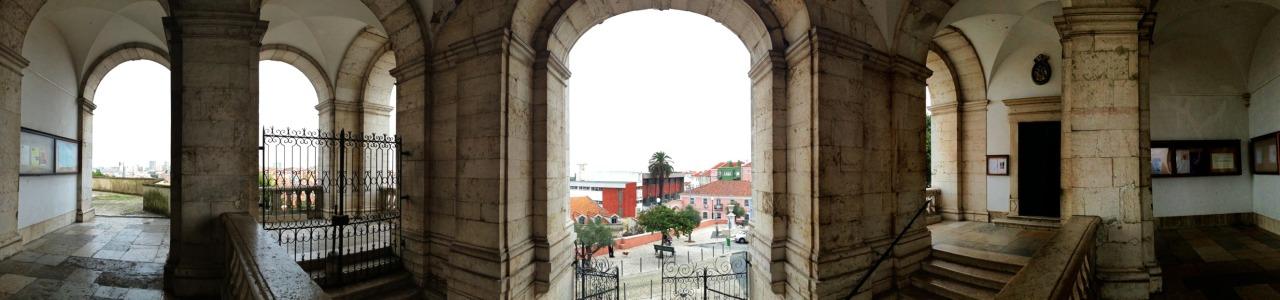 23-10-2013 12:01:33  Penha de França, Lisbon, Portugal
