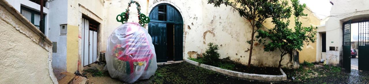 01-10-2013 12:26:12  Mouraria, Lisbon, Portugal