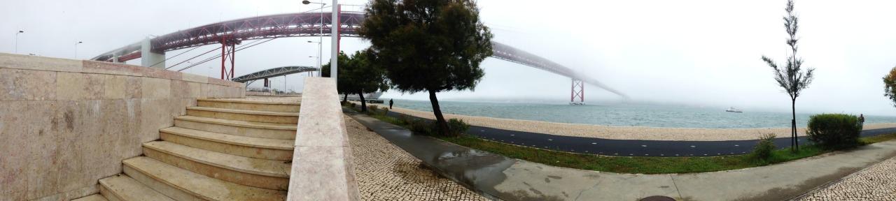 30-09-2013 12:23:23  Alcântara, Lisbon, Portugal