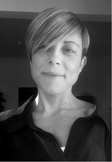 Eva Rodergas - No creo en casualidades, sino en la vida pone en tu camino lo que necesitas para seguir adelante. Yo encontré a Germán, tras decidirme a pedir ayuda. Atravesaba un momento personal difícil, y no me dificultades con fuerzas para encararlo yo sola.Trabajando con él aprendí, de una manera dinámica y muy práctica, herramientas para recuperar todo mi