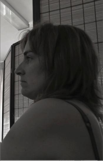 Silvia Mercedes - Mis últimos años han sido duros, teniendo la sensación de que no podría con lo que estaba pasando, pero poco a poco, con mucha constancia y ganas de sentirme mejor ha ido mejorando la situación.Los miedos me paralizan y el amor me empuja a cambiar. Quiero dar las gracias a la gente que me cruzó en un momento dado o, quizás, también busqué cruzarme con ellos.Gracias por ayudarme, compartir desde el corazón, y demostrarme algo muy importante; que todo esta en mí, que sí me lo propongo puedo llegar, ser y sentirme como yo decida, a veces, y con toda la humildad, de saber también que necesitaré ayuda si todos nos ayudamos haremos un mundo mejor.El camino es largo, pero estoy en el que tengo que estar.Junio 2017