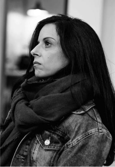 Rosa Rodriguez - Germán se cruzo en mi camino de casualidad, por recomendación de una amiga que estaba trabajando con su proceso de cambio.Yo fui en principio por curiosidad, para ver de qué manera me ayudaría, y haciendo sesiones con él más el más alto de Impermantes, me di cuenta de todos mis bloques, miedos y la resistencia al cambio que tenia.También vi que todo es posible, si vences el miedo y cambias la visión de la situación, te aparecen mil posibilidades.Gracias Germán por estar siempre ahí grabando mi objetivo