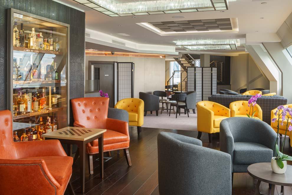 m-club-lounge05.jpg