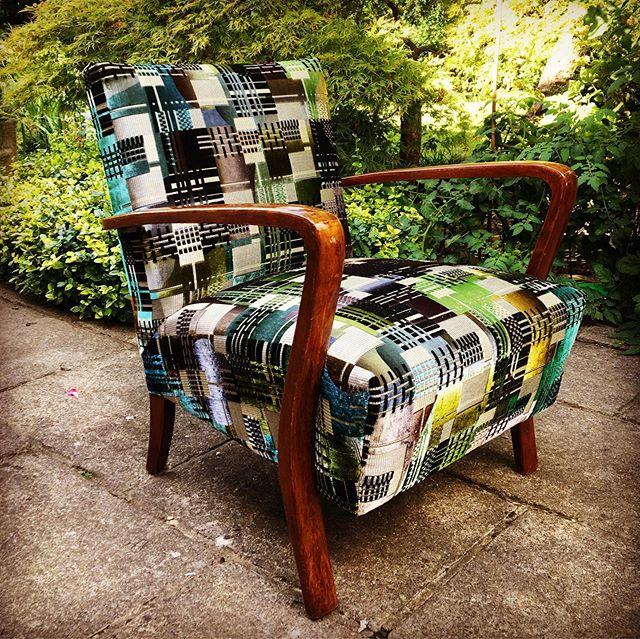 Lovely little armchair in #designersguild chandigarh aqua for @egon_design  #upholstery #undergroundchic #peckham #dontbuynewrenew #velvet #cocktailchair