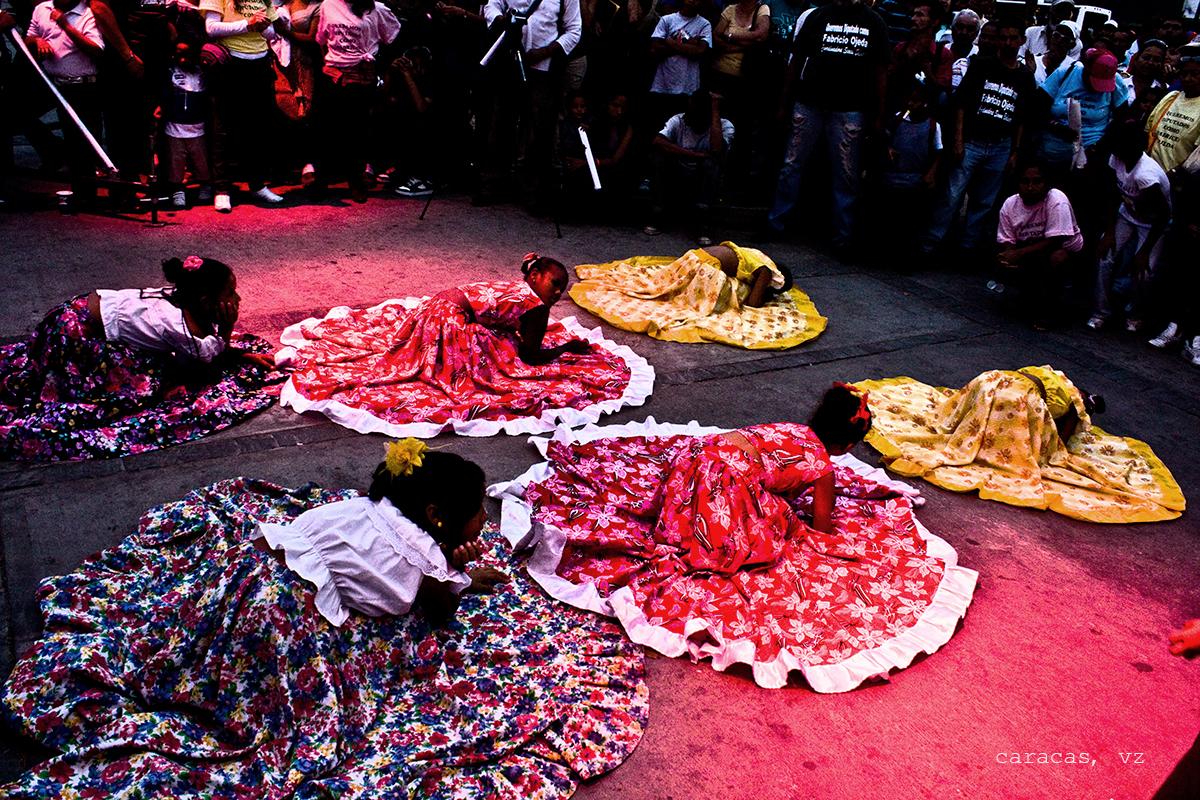 caracas dancing girls.jpg