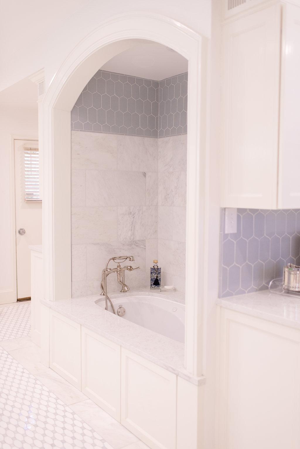 Beautiful_Bath_Clark_Design_Studio_Blue_White_tile_4