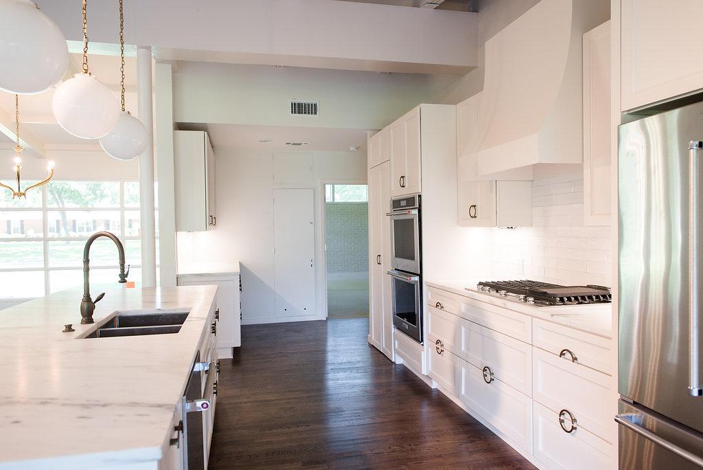 Clark_Design_Renovation_White_Kitchen_Mid-Century_Modern_1