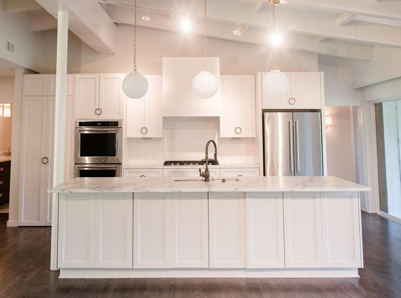Clark_Design_Renovation_White_Kitchen_Mid-Century_Modern_2