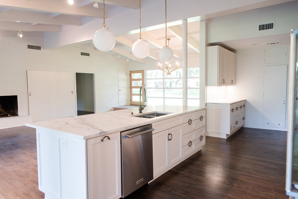 Farington_Clark_Design_Studio_Kitchen_After_3.jpgClark_Design_Renovation_Mid-Century_Remodel_White_Kitchen_4