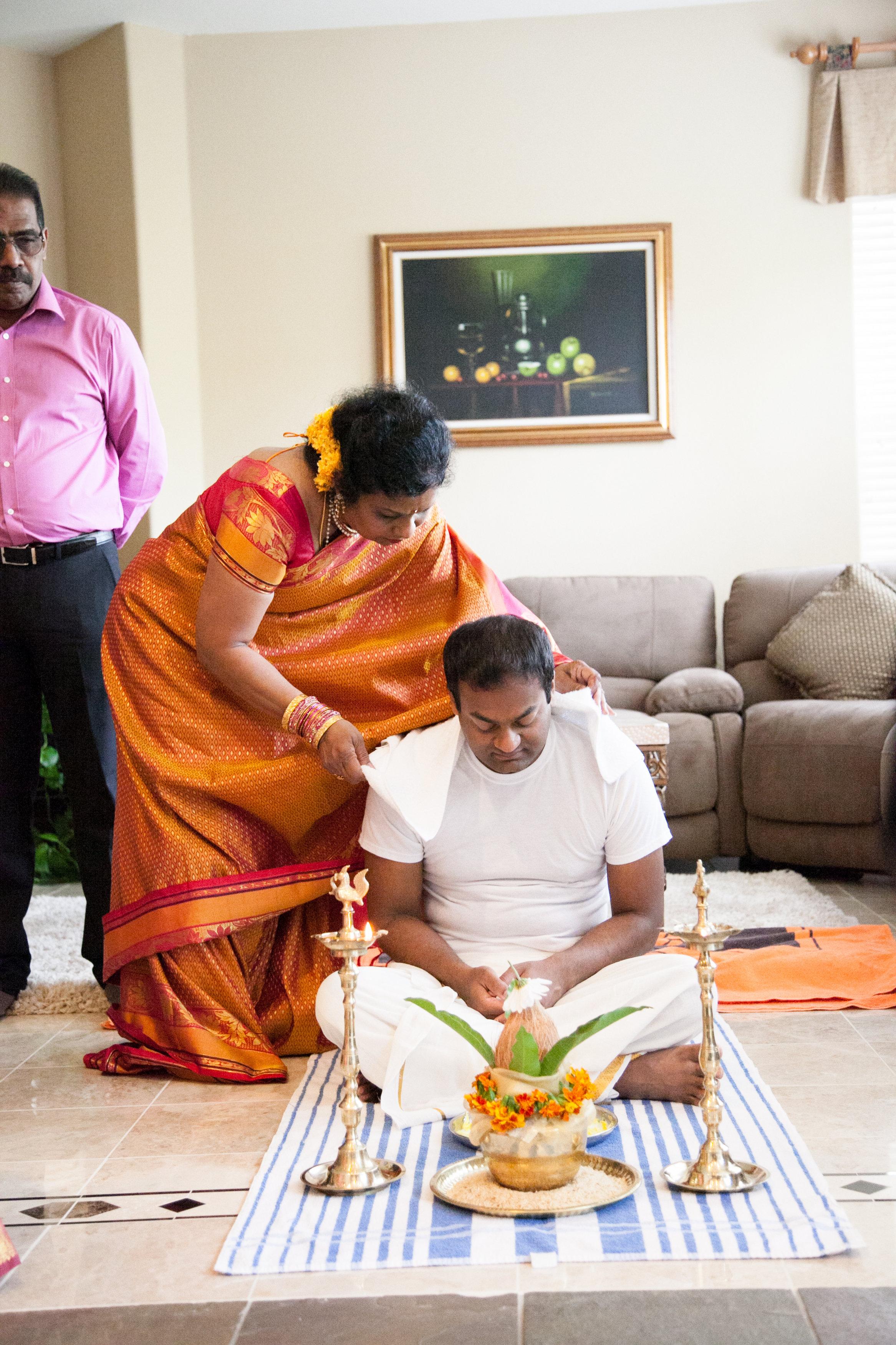 1-Sri Lankan Wedding Photography-Shiva Vishnu Temple002.jpg