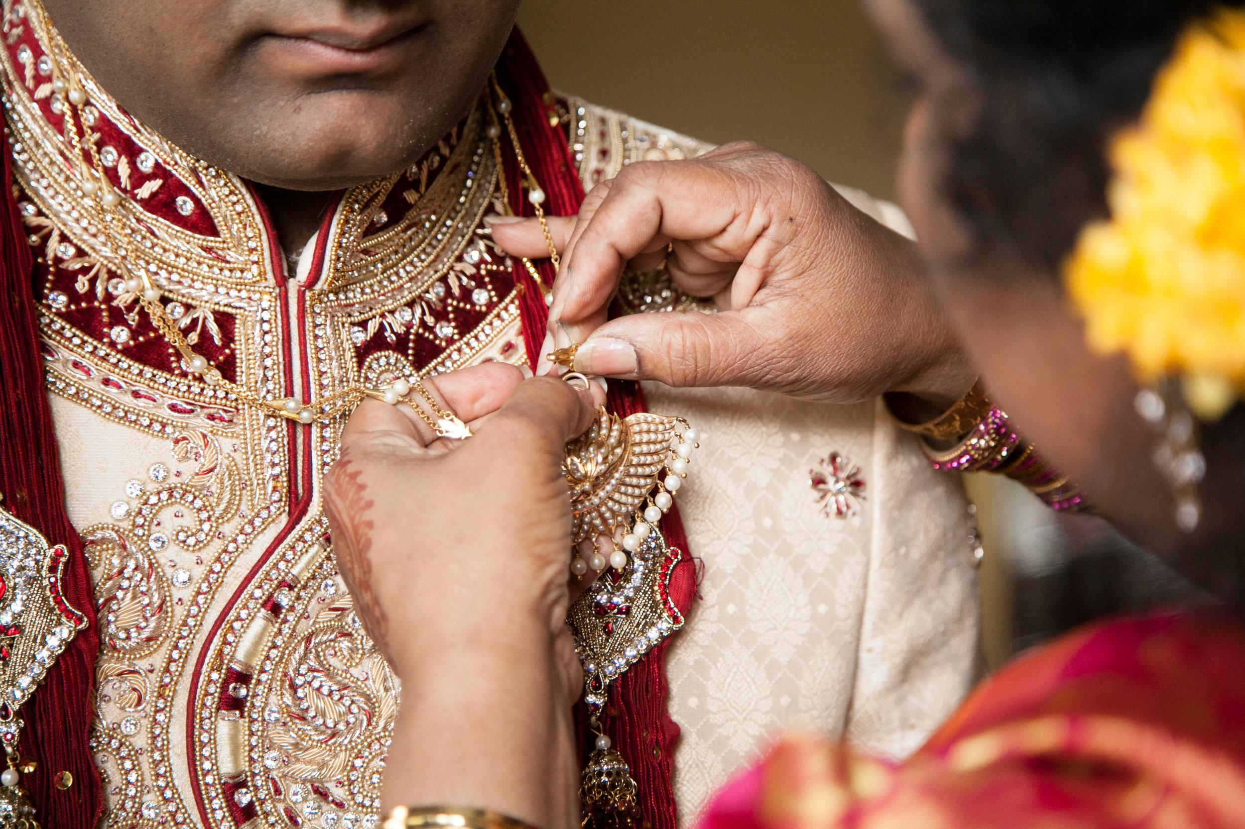 1-Sri Lankan Wedding Photography-Shiva Vishnu Temple010.jpg