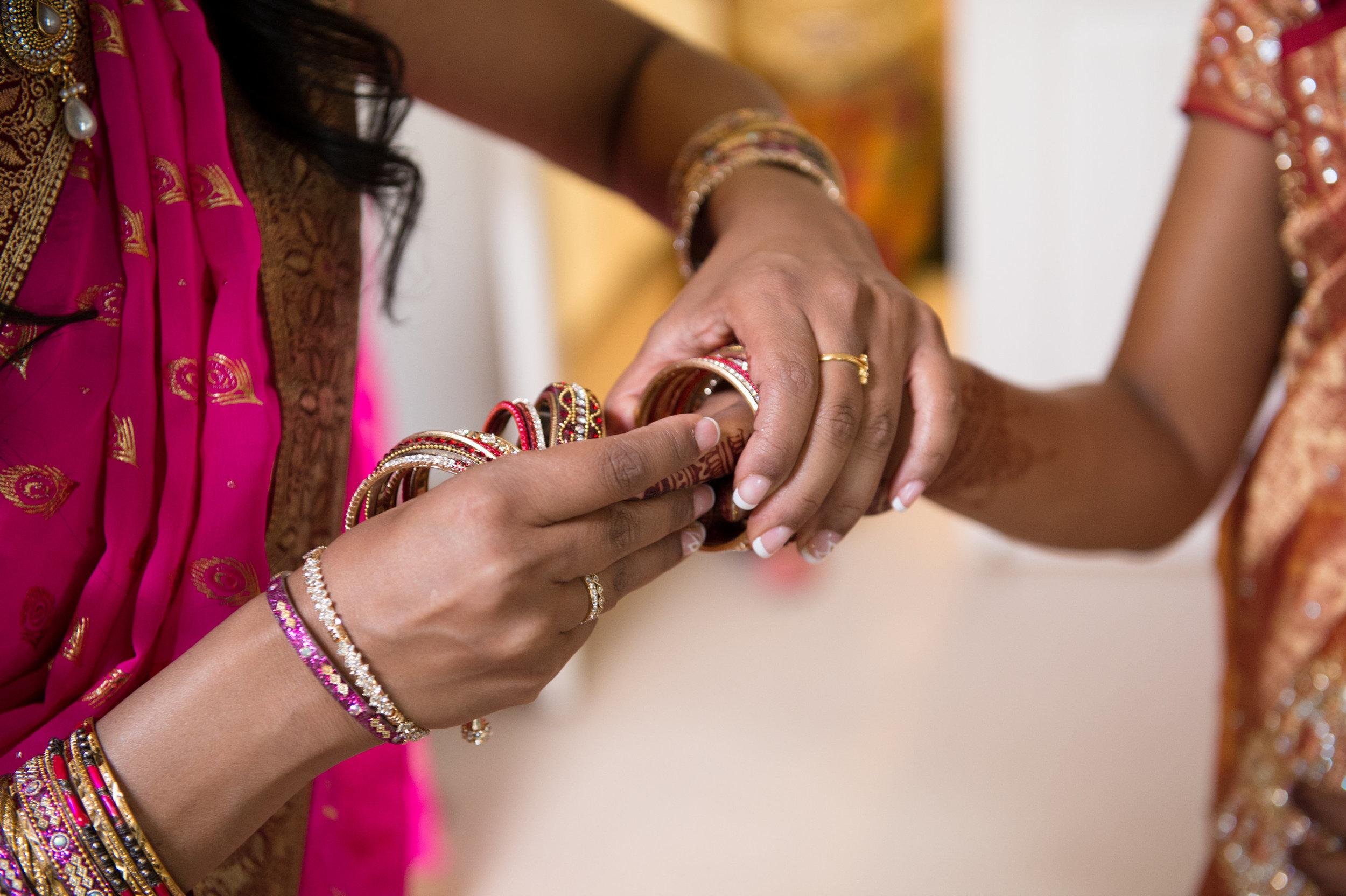 1-Sri Lankan Wedding Photography-Shiva Vishnu Temple011.jpg