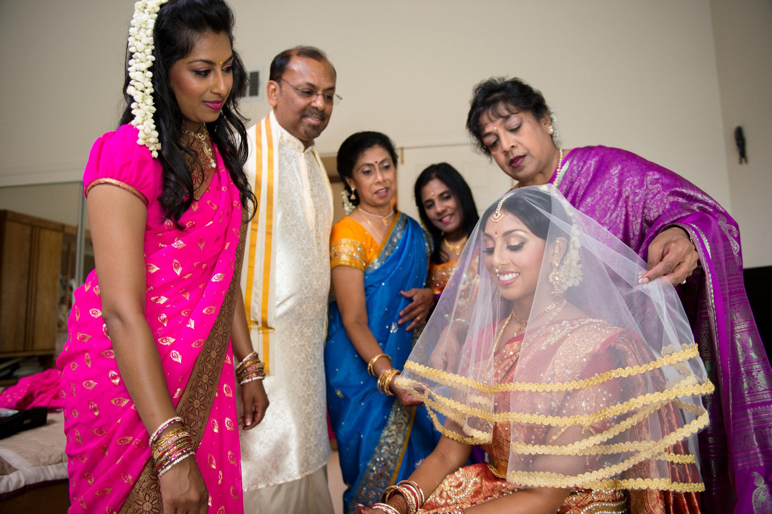 1-Sri Lankan Wedding Photography-Shiva Vishnu Temple021.jpg