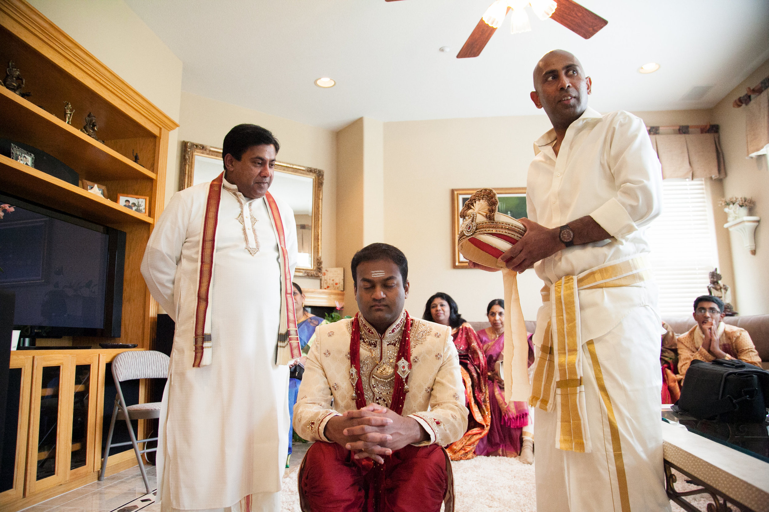 1-Sri Lankan Wedding Photography-Shiva Vishnu Temple026.jpg