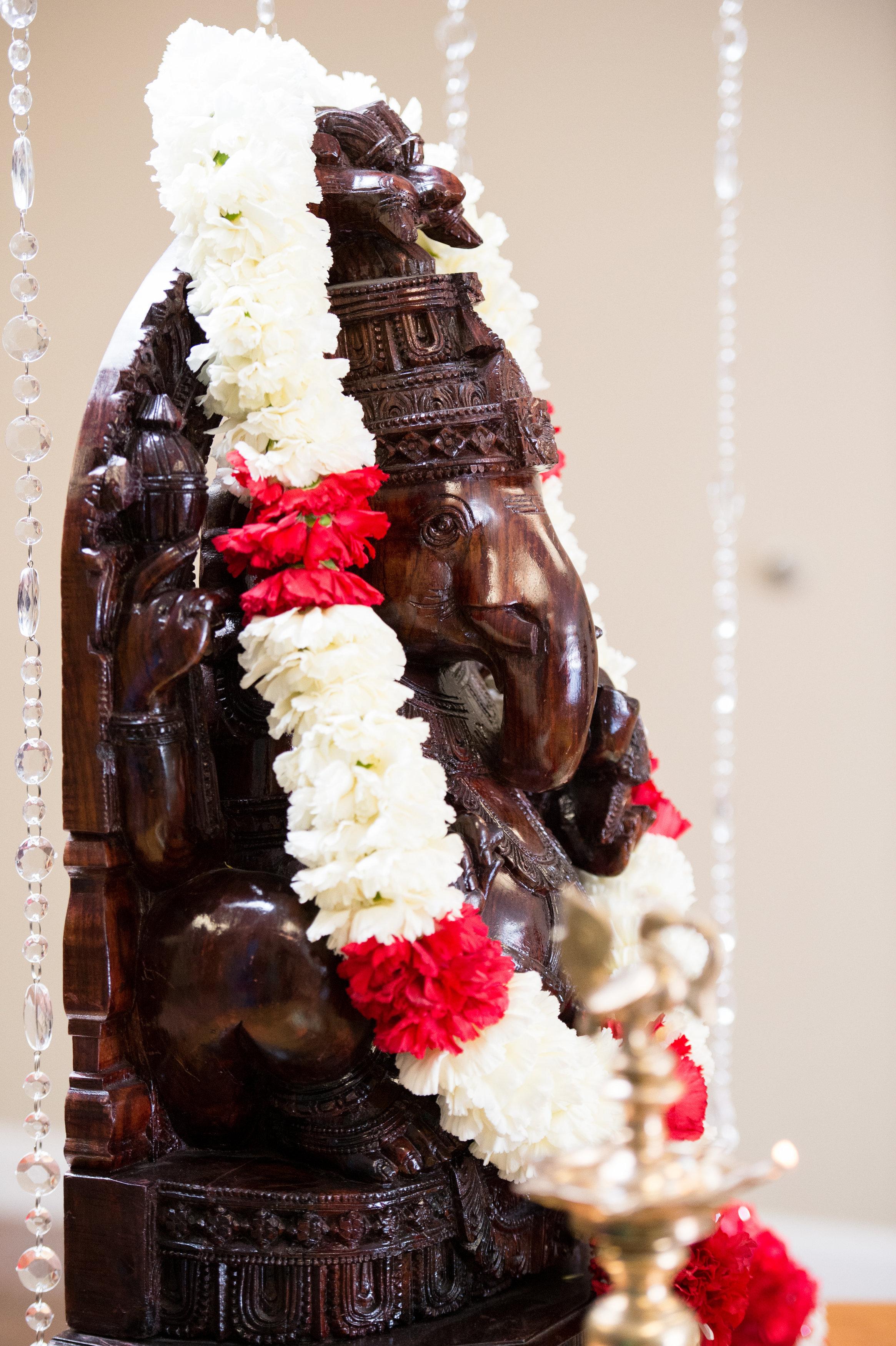 1-Sri Lankan Wedding Photography-Shiva Vishnu Temple028.jpg