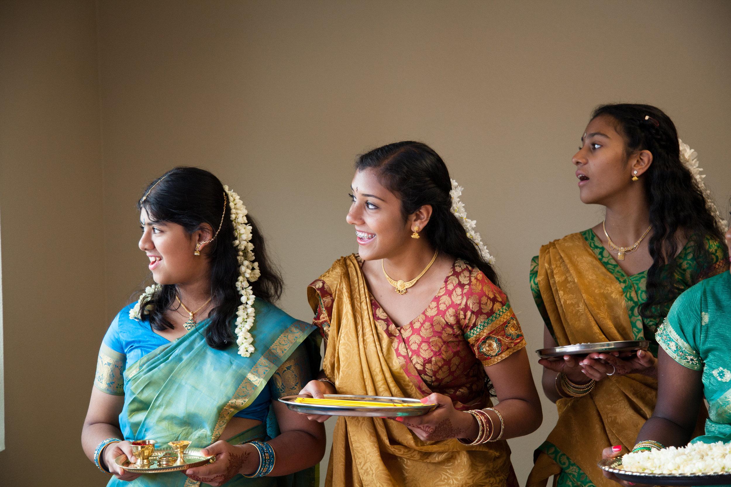 1-Sri Lankan Wedding Photography-Shiva Vishnu Temple031.jpg