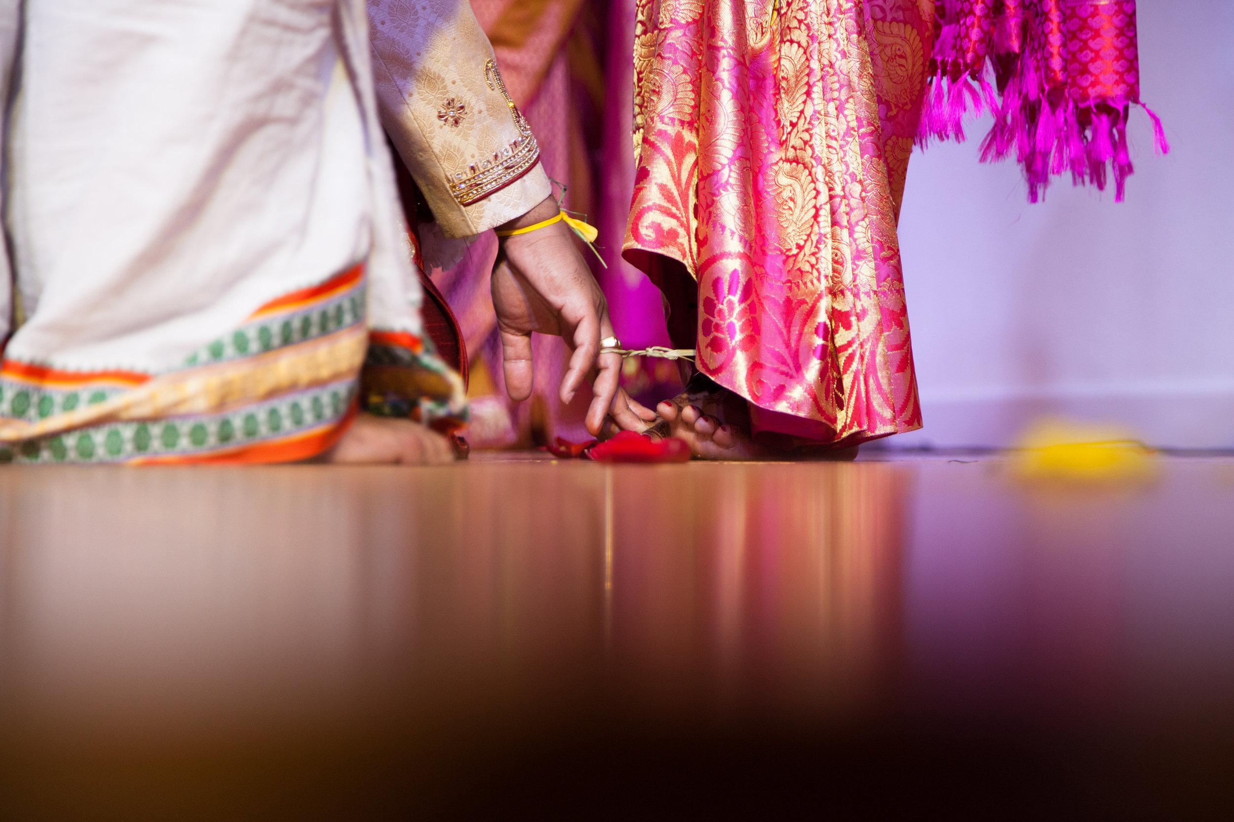 1-Sri Lankan Wedding Photography-Shiva Vishnu Temple041.jpg