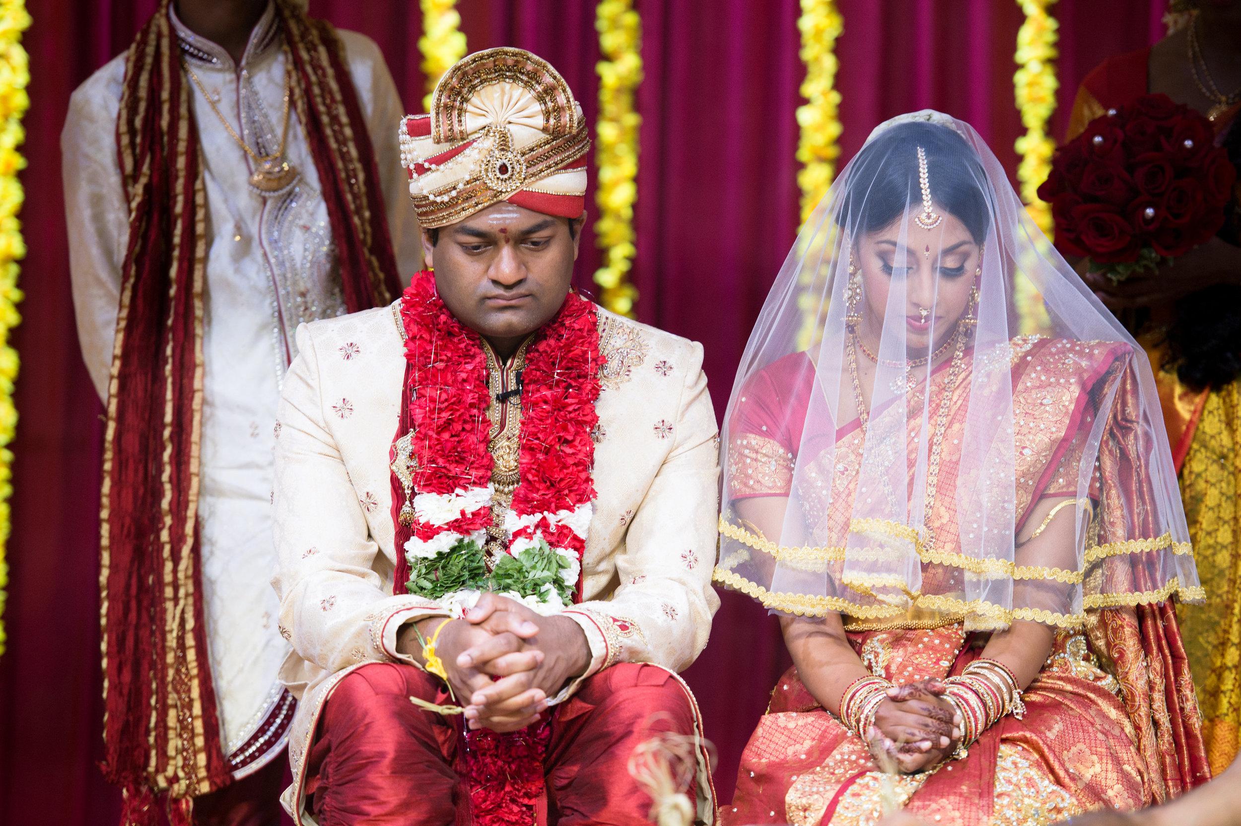 1-Sri Lankan Wedding Photography-Shiva Vishnu Temple039.jpg
