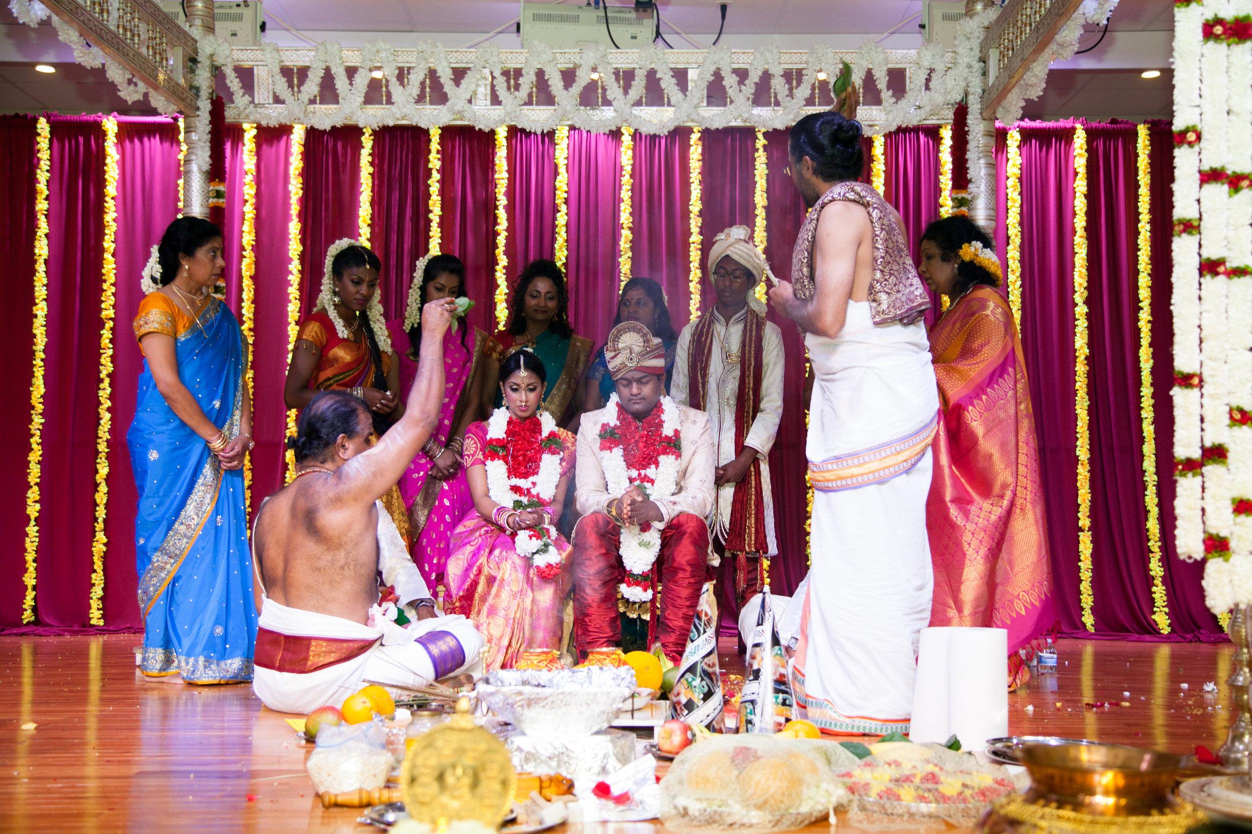 1-Sri Lankan Wedding Photography-Shiva Vishnu Temple043.jpg