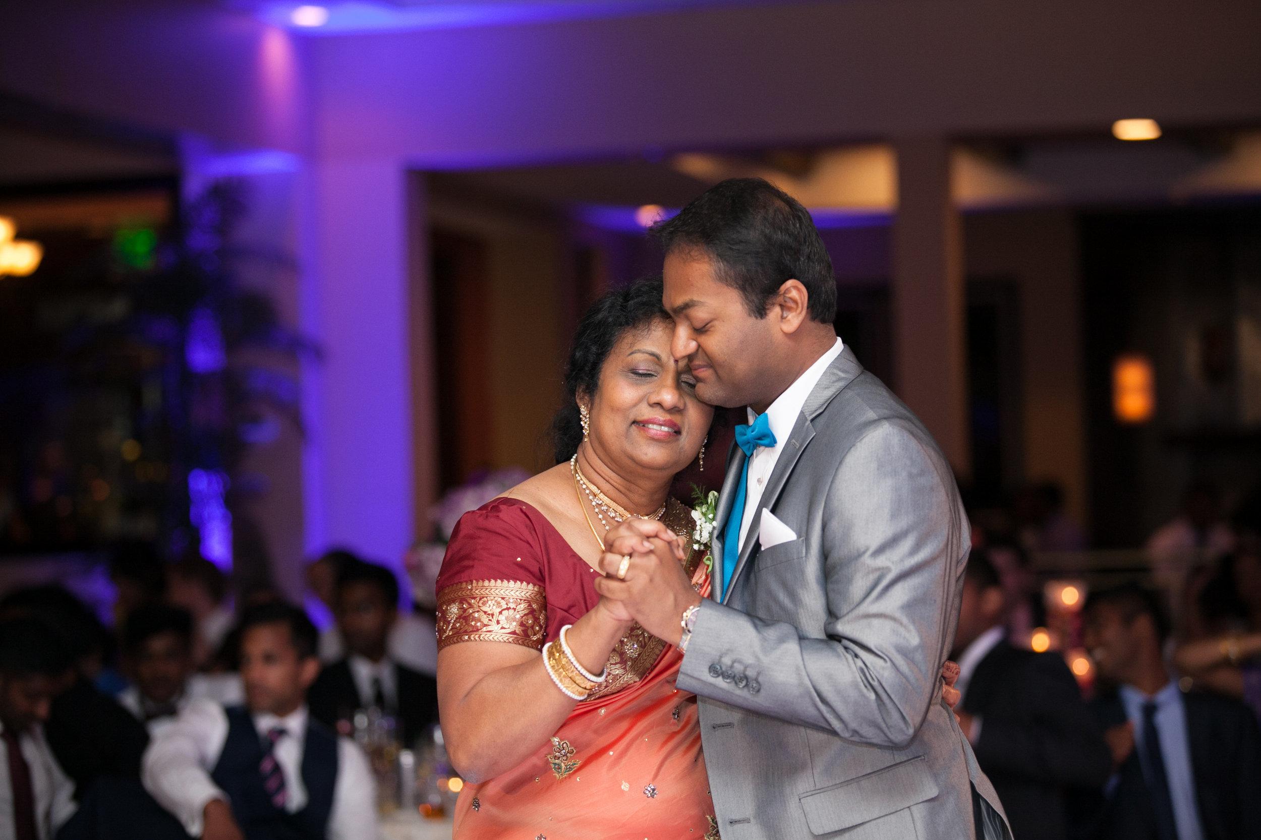 1-Sri Lankan Wedding Photography-Shiva Vishnu Temple071.jpg
