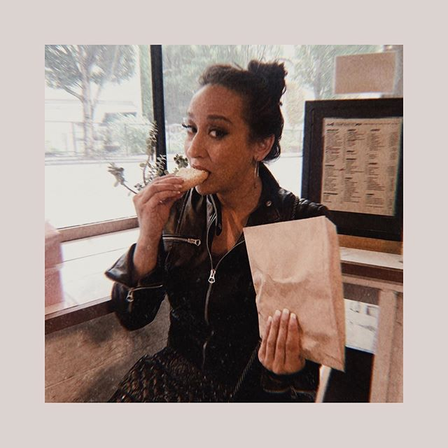 I got that jacket in Italy, but it's literally 1000 degrees in Vegas (except indoors it's a balmy 60). I was excited to be able to pull it out before December . . 🍪 Anyways, cookies are life. What's your favorite sweet? 🍰 . . #sugarbakeryseattle  #italianbikergangihavemyjacket #hopetheresahandshaketoo