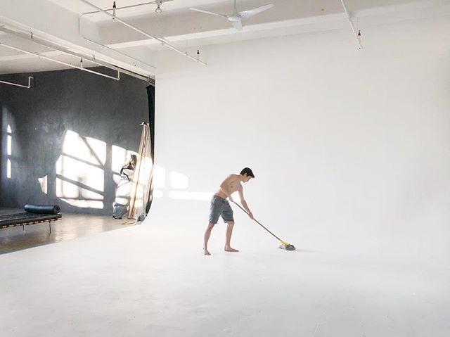 @lucatheeninja mopping the cyc at @tentonstudio....a busy week for the studio....Starting Sunday bright and early.