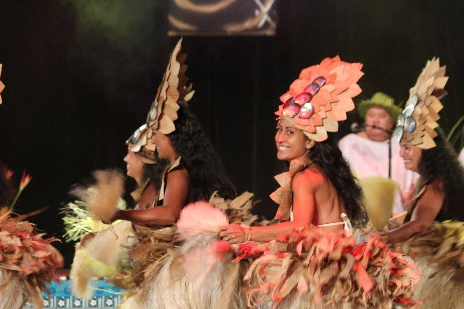 Play Toere/Ukulele & Dance -