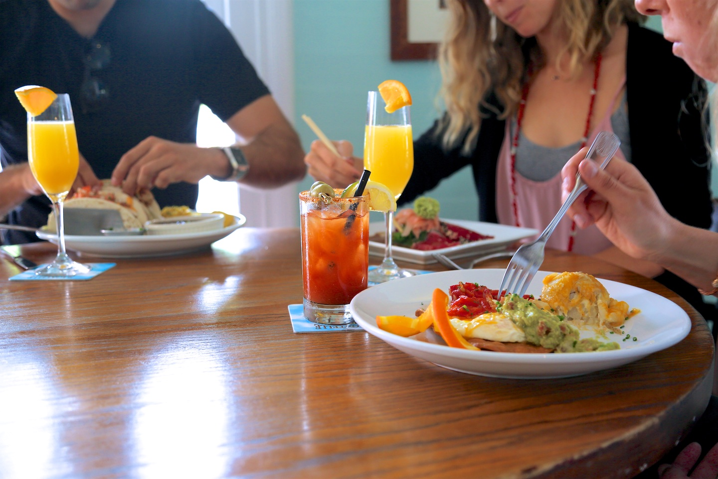 bagatelle brunch, huevos rancheros, mimosa and Bloody Mary