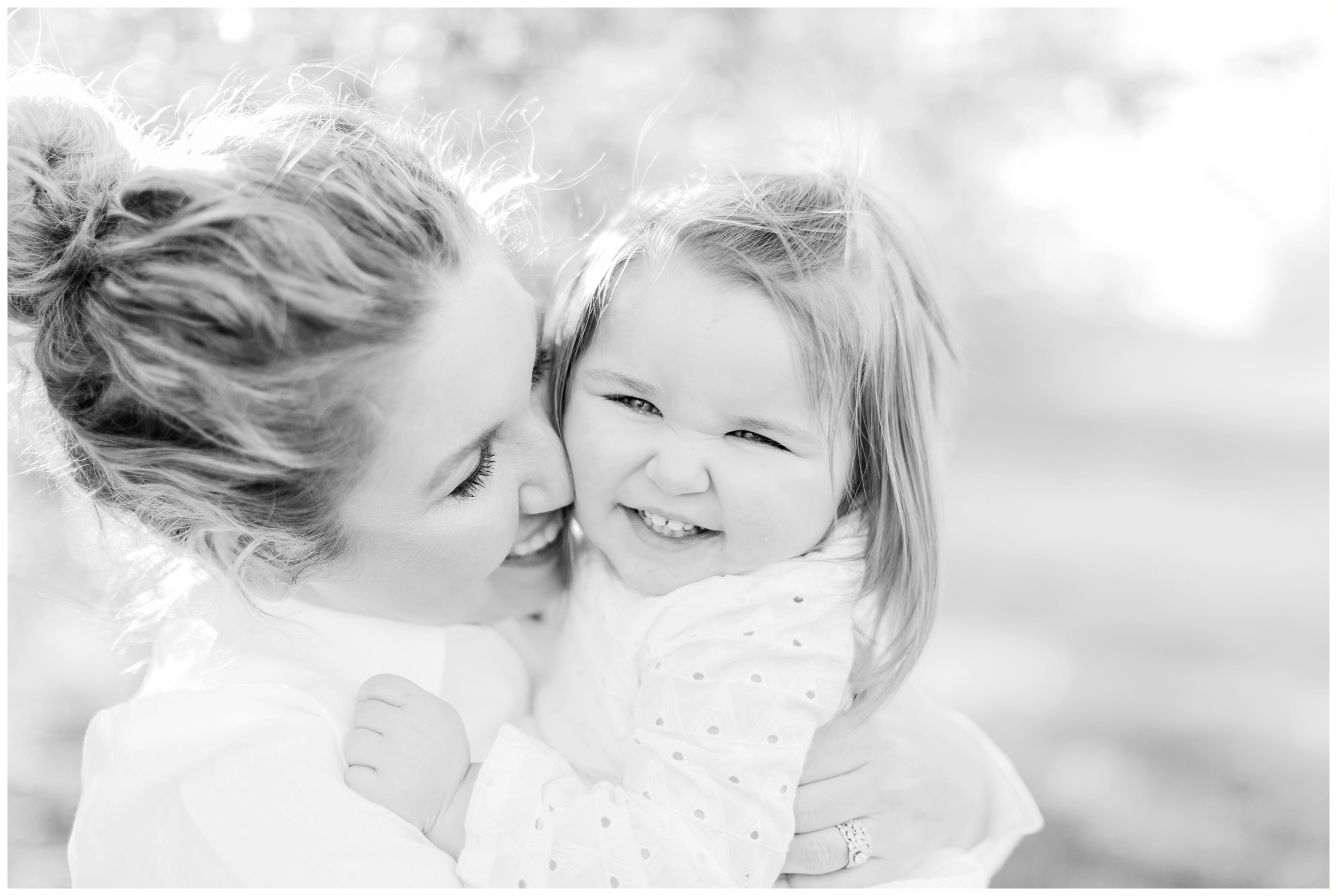 lexington-ky-family-lifestyle-mom-and-daughter-university-of-ky-uk-arboretum-photos-by-priscilla-baierlein_0221.jpg