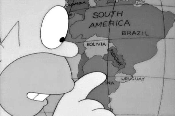 """En Español: """"Este lugar parece ser muy 'guay', se llama Uruguay"""". En Inglés: """"Look at this country, 'U R Gay'""""."""