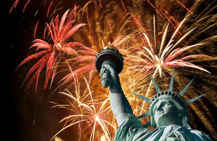 As Americans prepare to celebrate Independence Day, a new Gallup poll reveals a continuing decline in national pride that reflects polarized political views, discontent with US welfare and health care systems and deep disappointment in the US political system.
