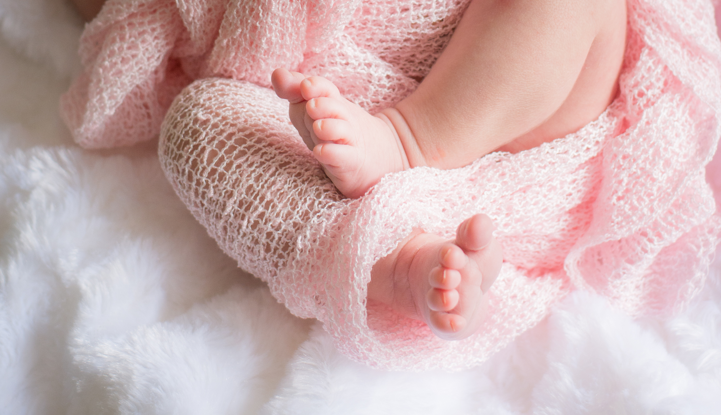 MH Newborn Session D6-14.jpg