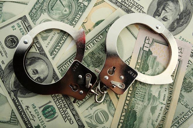 moneyhandcuffs
